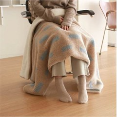 Cozy Holiday Blanket_peanut mocha