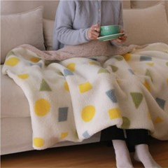Cozy Holiday Blanket_candy ivory