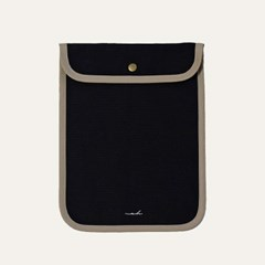 [solid] Signature tablet pouch - black