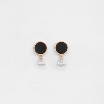 [쥬디앤폴] 쁘띠 오닉스 블랙 자개 아이스 드롭 귀걸이 E51745