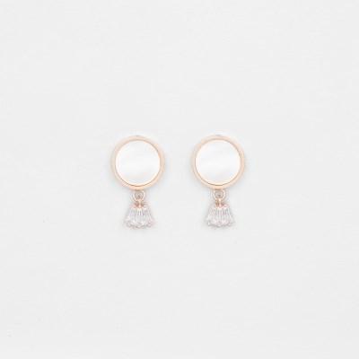[쥬디앤폴] 쁘띠 화이트 자개 아이스 드롭 귀걸이 E51713