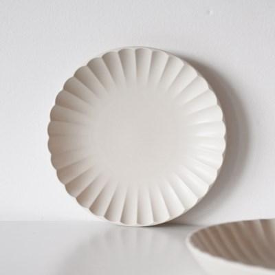 지니아 무광 도자기 플레이트 접시 18cm_(1798119)