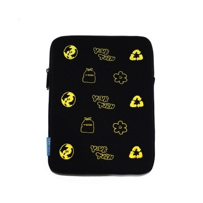 [EZwithPIECE] YOUR TURN TABLET POUCH (BLACK)_(401229221)