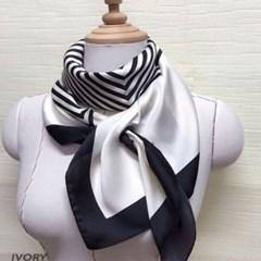 실키 줄무늬 아이보리 데일리 중년 엄마 패션 스카프