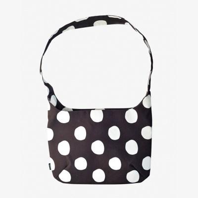 Yumi Cross Bag-Dots in black