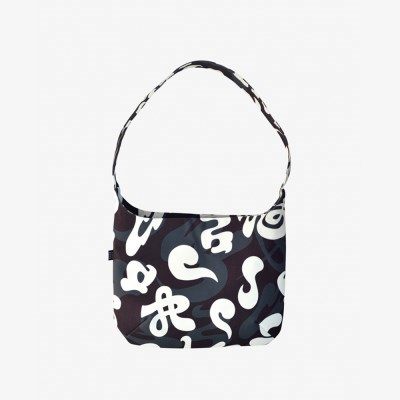 Yumi Shoulder Bag-Letter Graphic W1