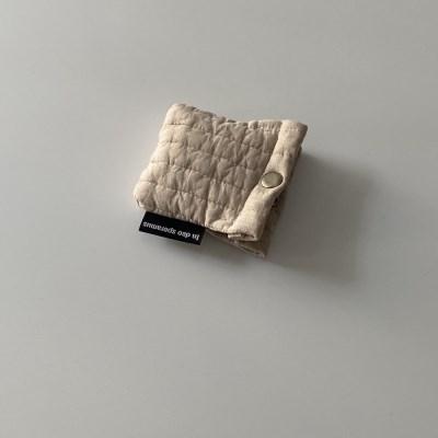 패딩 크림 에어팟 케이스 (Quilting cream airpods case)