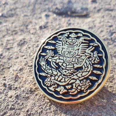 전통문양 왕을 품다 곤룡포 디자인 뱃지