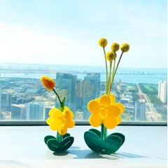 Yellow flower Acrylic Vase SET