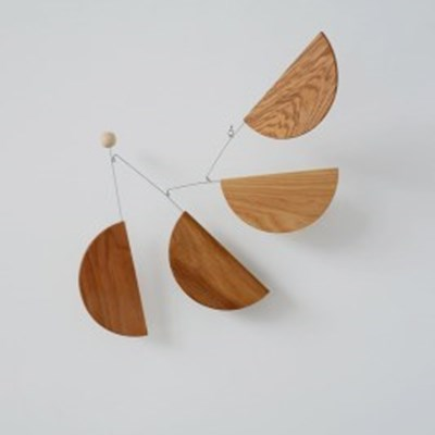 [kinetic mobiles] Madlen wood