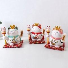 909 손 흔드는 왕관 마네키네코 3color