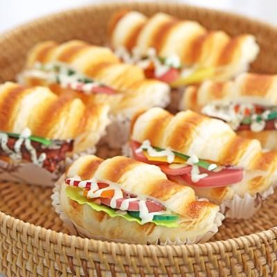 크루아상 샌드위치 모형 자석 1P
