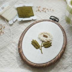 블랑주니 프랑스자수 클래스 - 하얀딸기꽃 (꽃자수길 시리즈)