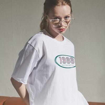 [베러댄88] W2112MW 레트로1988 티셔츠 우먼 모노화이트