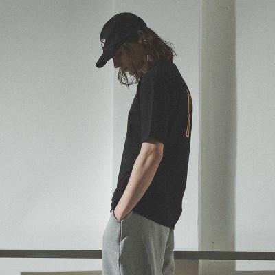 [베러댄88] 3112VB 체스트아치 백로고 티셔츠 밴타블랙