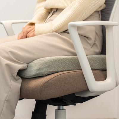사무실 직장인 공부 의자 쿠션 사각 메모리폼 방석