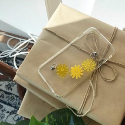 노란 꽃송이 폰스트랩 젤리케이스