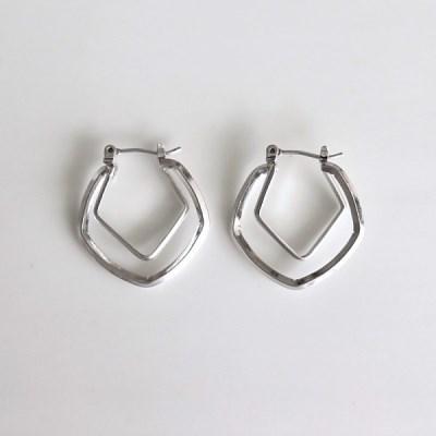 Build earring_(1559021)
