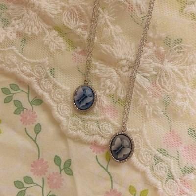 [봄밤달] 나비 조각 목걸이 (써지컬스틸)