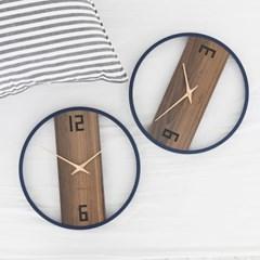 심플한 디자인에 샌드블루의 특별함이 돋보이는 인테리어 벽시계