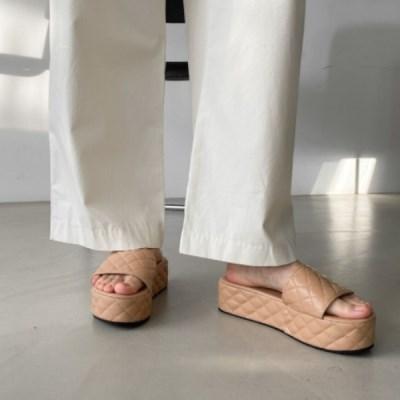 여성 여성 가죽 둥근코 누빔 패턴 통굽 슬리퍼 DONA-7717