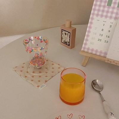 핑크 글라스 컵