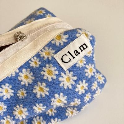 클램 라운드 파우치 에그플라워 (Clam round pouch Egg flower)