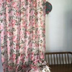 샤르망 장미 쉬폰 프린트 커튼
