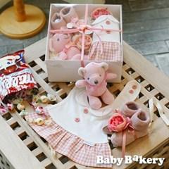 [아기옷선물패키지] 드레스빕 곰딸랑이세트_밀키 (출산선물 백일 돌)