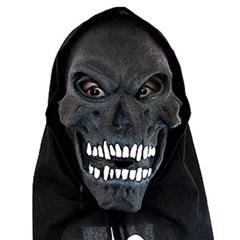 흰이빨 검은해골가면