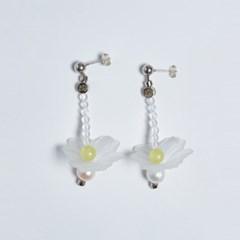 White crystal freesia earrings
