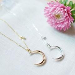 Eyebrow moon necklace