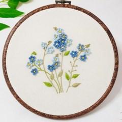 감성스티치의 블루 꽃마리 자수