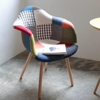 리암에그 퀄팅 패브릭 인테리어 카페 의자