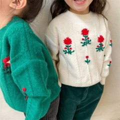 빨간꽃자수스웨터