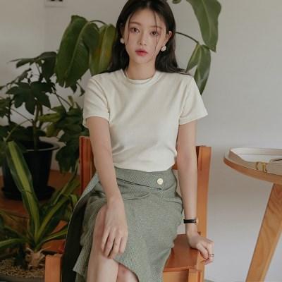 [커먼유니크] 로란 벨벳 크롭 1/2 티