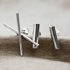 Silver bar stud earring
