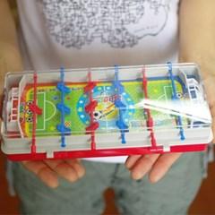 축구게임을 즐길 수 있는 2단 필통 - 레드