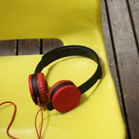 smart yellow headphone