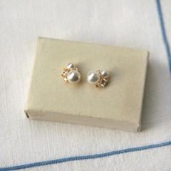 Silver Crystal Pearl Earring