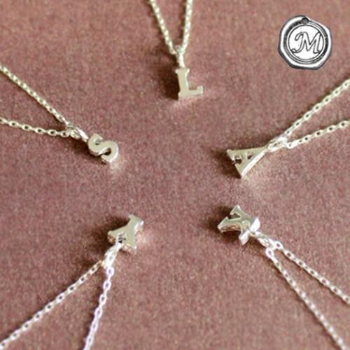 실버 이니셜 목걸이 silver initial necklace