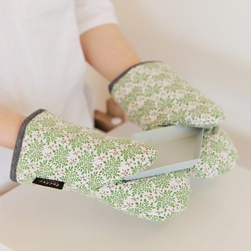 green glass glove
