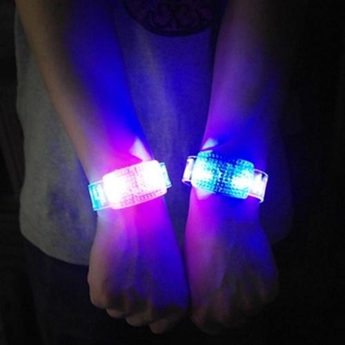소리에 반응하는 LED 조명 팔찌