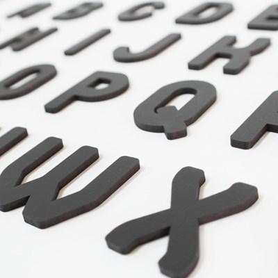 우드 디자인 알파벳
