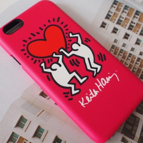 SKINU x Keith Haring 범퍼케이스 - Holding A Heart