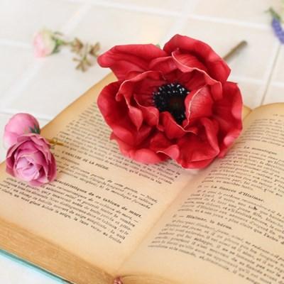 dark red anemone flower pen