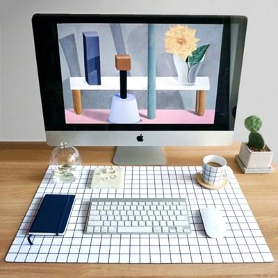 Simple Line Desk Mat [Grid]