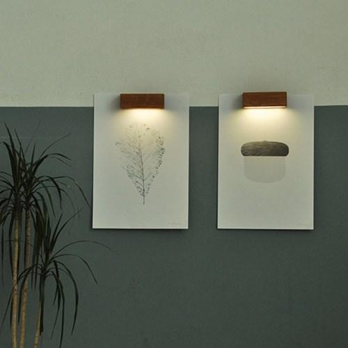 Hang lamp 포스터 부착형 우드 조명
