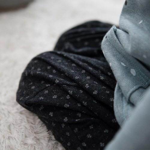 잔꽃무늬 배기팬츠-black baggy pants