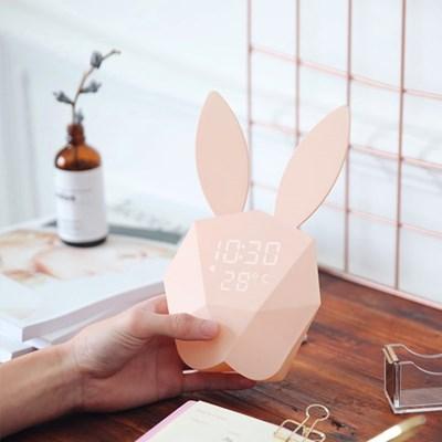 날짜, 온도, 소리센서가 있는 토끼 알람 시계